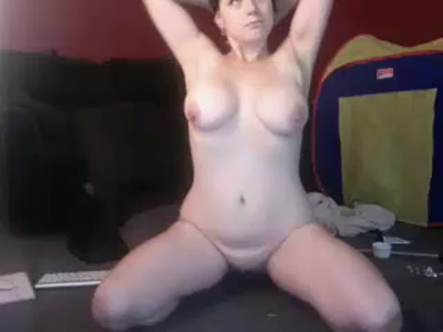 View busty_geek48 capture